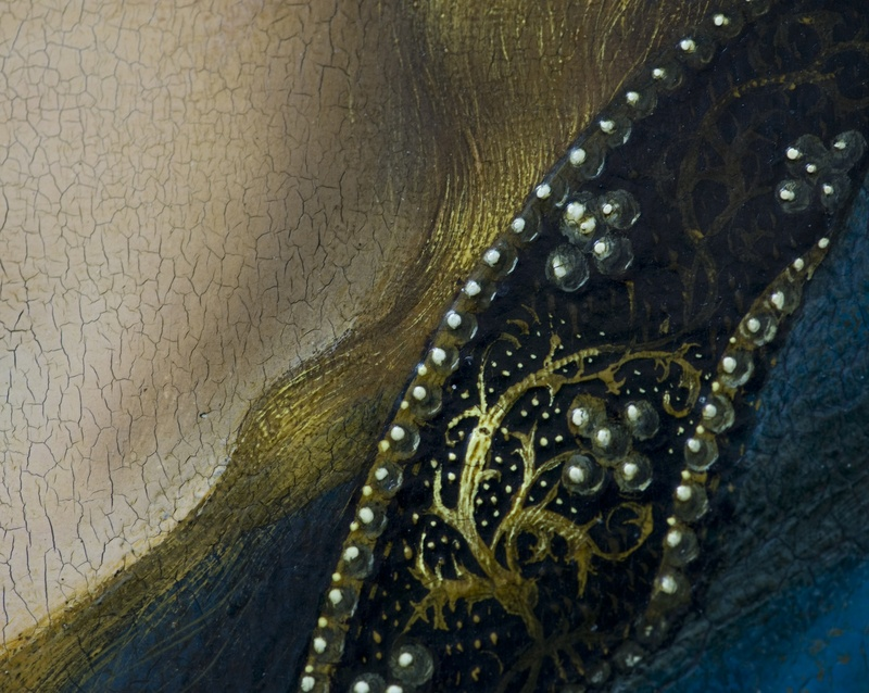 30. Detail of robe edging